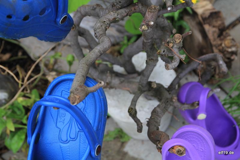 Gartenschuhständer aus Ast