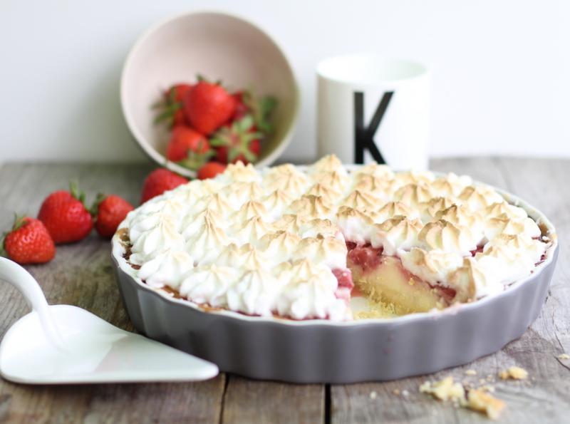 Erdbeer Baiser Torte
