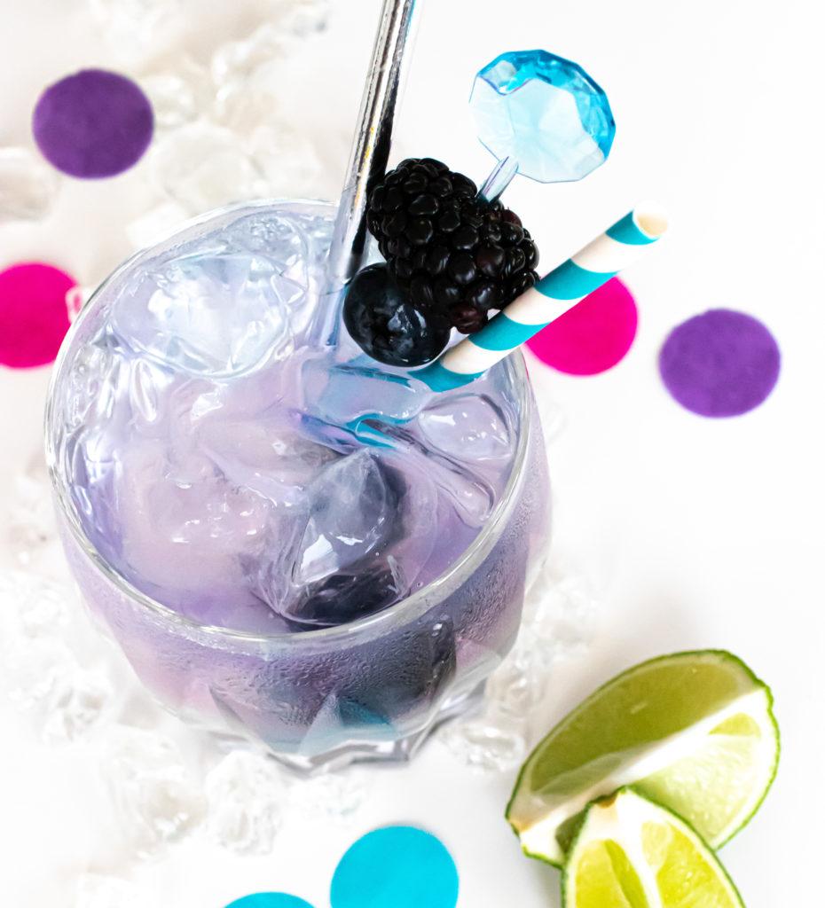 Gin Trends Gin Cocktail mit pastelligem Farbwechsel Effekt